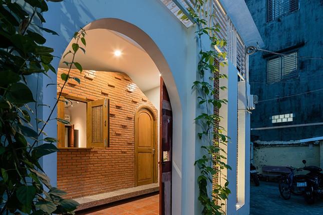 Vợ chồng Việt sửa nhà cấp 4 cũ thành nơi ở đẹp đến mức báo Mỹ cũng phải khen ảnh 16
