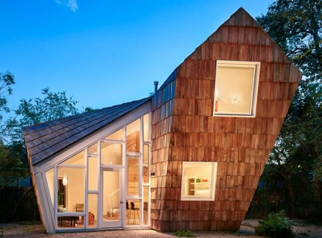 Ngôi nhà 'tổ ong' nghiêng như sắp đổ vẫn đẹp long lanh ảnh 1