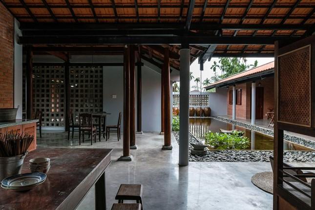 Chán nhà tầng, vợ chồng Việt xây nhà 2.000m2 như nhà 'điền chủ' ảnh 10