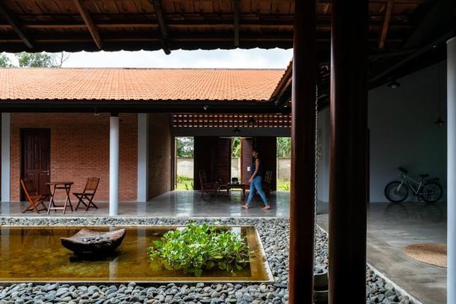 Chán nhà tầng, vợ chồng Việt xây nhà 2.000m2 như nhà 'điền chủ' ảnh 12