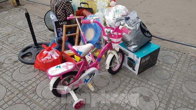 Dân chung cư Hà Nội nháo nhác mua đồ tích trữ phòng dịch Covid-19 ảnh 11