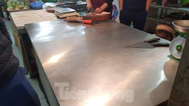 Dân chung cư Hà Nội nháo nhác mua đồ tích trữ phòng dịch Covid-19 ảnh 10
