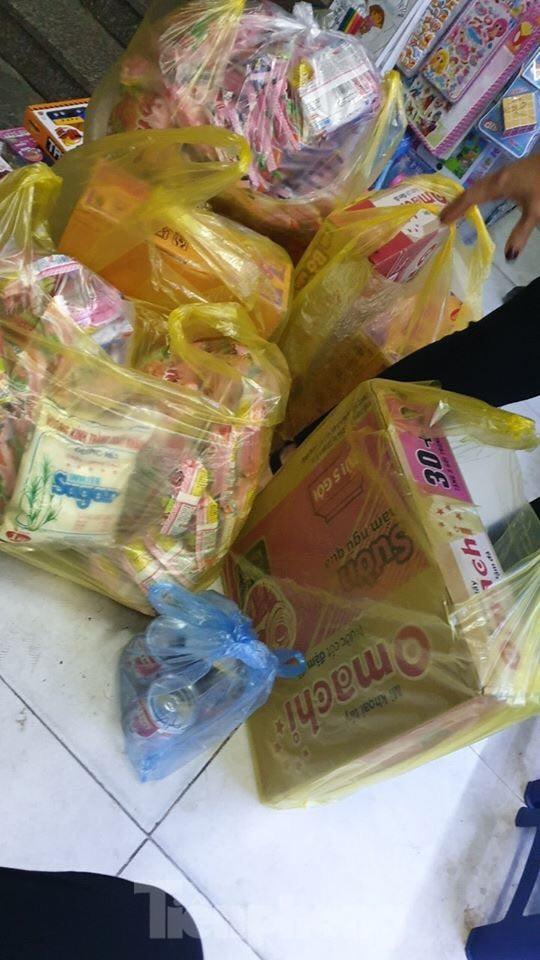 Dân chung cư Hà Nội nháo nhác mua đồ tích trữ phòng dịch Covid-19 ảnh 8