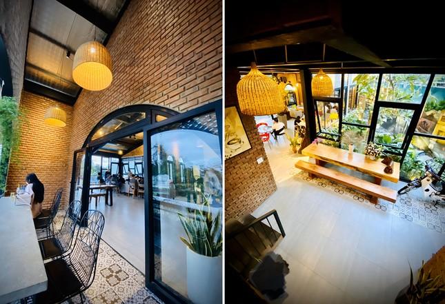 Ngôi nhà kết hợp quán cafe đẹp lạ nhờ nghệ thuật xếp gạch gây mê ảnh 9