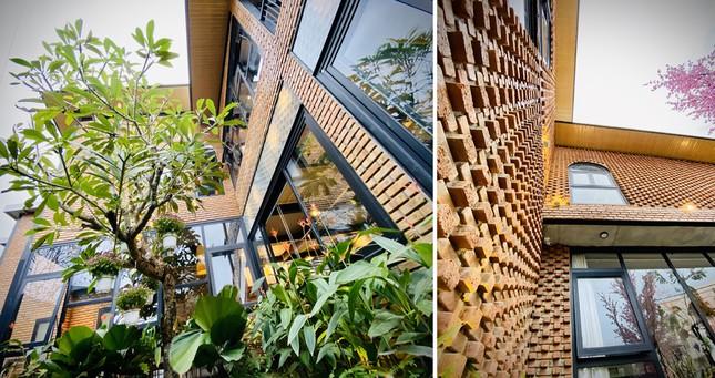 Ngôi nhà kết hợp quán cafe đẹp lạ nhờ nghệ thuật xếp gạch gây mê ảnh 3