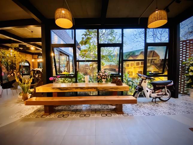 Ngôi nhà kết hợp quán cafe đẹp lạ nhờ nghệ thuật xếp gạch gây mê ảnh 6