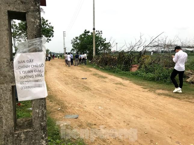 Sau sốt nóng, 'chợ bất động sản' ở Thạch Thất bị chính quyền 'giải tán' ảnh 1
