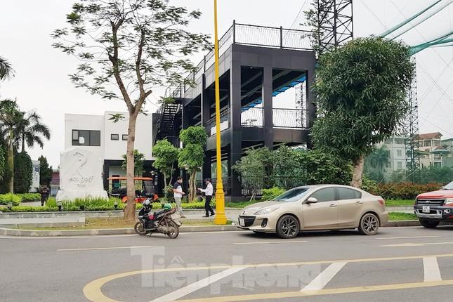 Đình chỉ sân tập golf vô tư hoạt động giữa mùa dịch ở Hà Nội ảnh 1