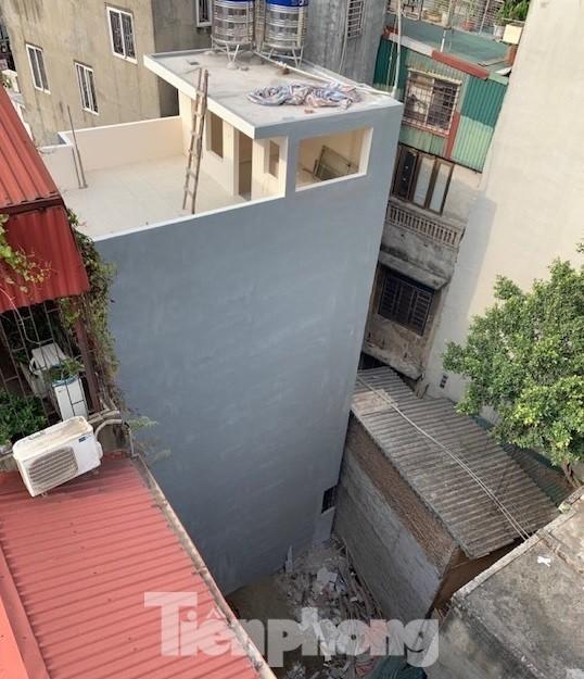 Vụ chết vẫn xác nhận đất đai ở Hà Nội: 2 phó Chủ tịch quận bị nhắc nhở ảnh 3