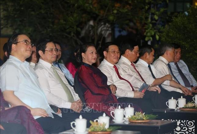 Lãnh đạo Đảng, Nhà nước dự cầu truyền hình 'Hồ Chí Minh - Sáng ngời ý chí Việt Nam' ảnh 2