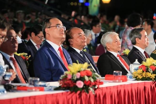 Lãnh đạo Đảng, Nhà nước dự cầu truyền hình 'Hồ Chí Minh - Sáng ngời ý chí Việt Nam' ảnh 1