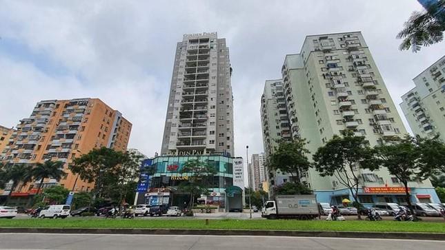 Cận cảnh khu đất công làm bãi xe 'biến hình' thành cao ốc ở Hà Nội ảnh 1