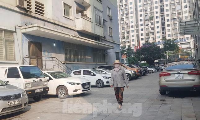 Cận cảnh khu đất công làm bãi xe 'biến hình' thành cao ốc ở Hà Nội ảnh 14
