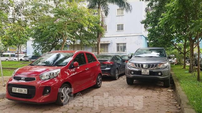Cận cảnh khu đất công làm bãi xe 'biến hình' thành cao ốc ở Hà Nội ảnh 18