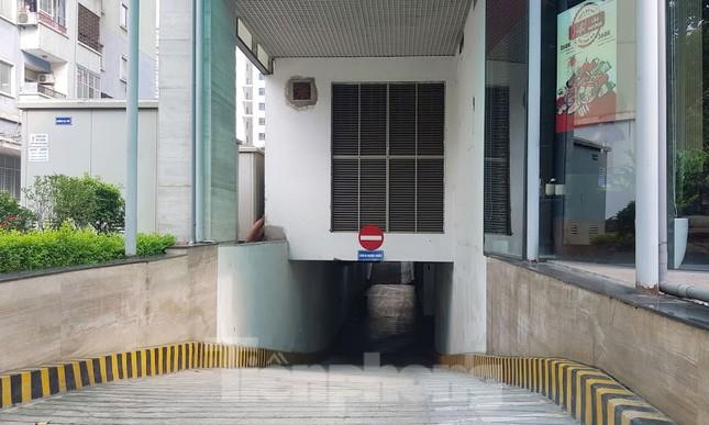 Cận cảnh khu đất công làm bãi xe 'biến hình' thành cao ốc ở Hà Nội ảnh 10