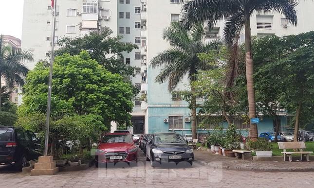 Cận cảnh khu đất công làm bãi xe 'biến hình' thành cao ốc ở Hà Nội ảnh 17