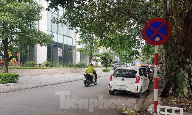 Cận cảnh khu đất công làm bãi xe 'biến hình' thành cao ốc ở Hà Nội ảnh 20
