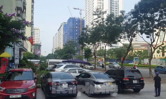 Cận cảnh khu đất công làm bãi xe 'biến hình' thành cao ốc ở Hà Nội ảnh 16