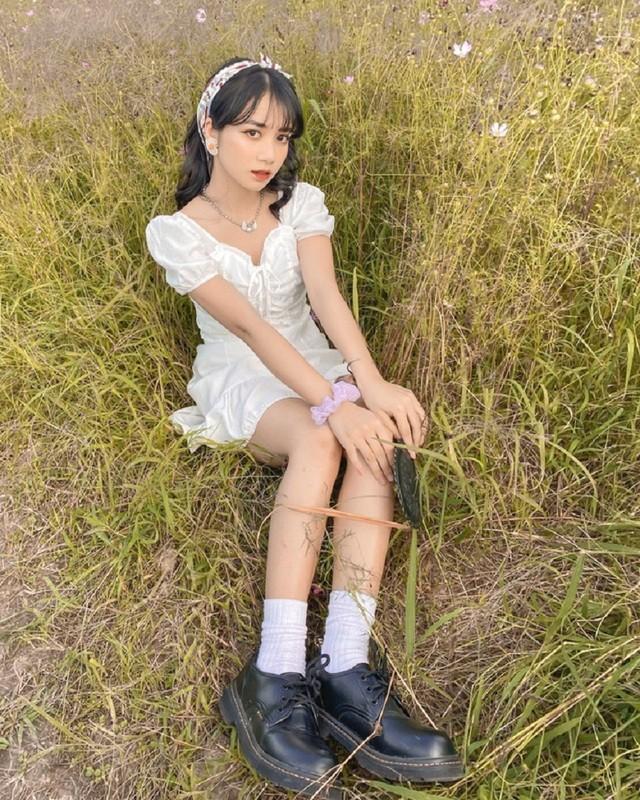 Nữ sinh Ngân hàng 'gieo thương nhớ' trong trang phục quân sự ảnh 5