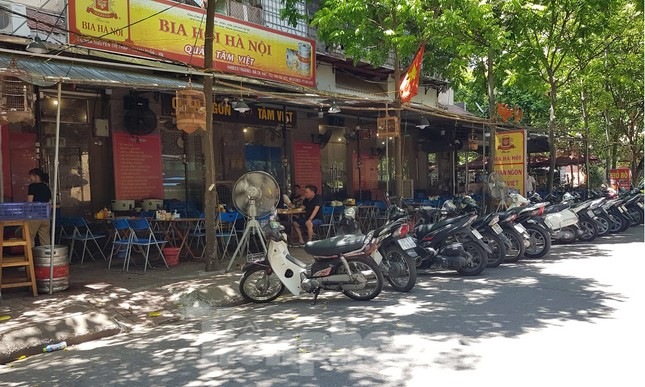 Nhà tái định cư bị 'xẻ thịt' kinh doanh ở Hà Nội: Lệnh cấm khó khả thi ảnh 6