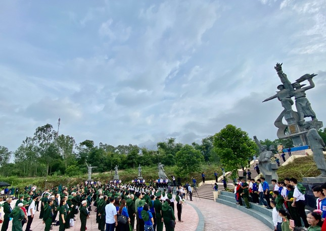 Kỷ niệm 70 năm ngày thành lập Đội Thanh niên Xung phong đầu tiên ảnh 1