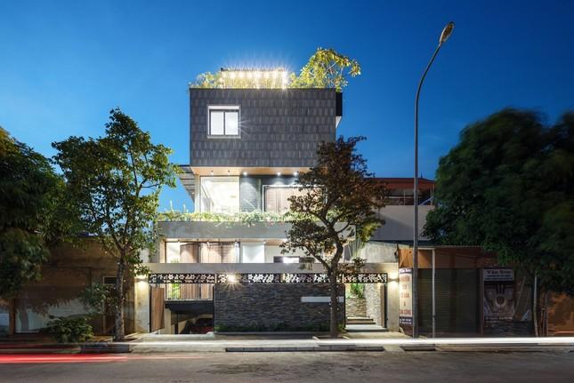 Mê mẩn ngôi nhà có bể bơi dưới tầng hầm tại Hà Nội ảnh 1