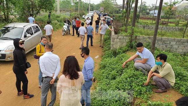 Nghịch lý, giá đất trong làng xóm ở Hà Nội bị đẩy lên cao ngất ảnh 1