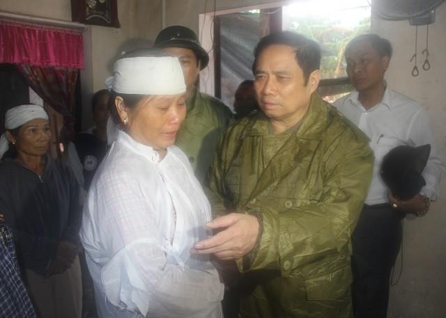 Đồng chí Phạm Minh Chính tới thăm và làm việc tại 3 tỉnh miền Trung ảnh 5