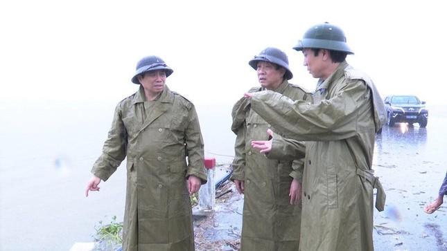 Đồng chí Phạm Minh Chính tới thăm và làm việc tại 3 tỉnh miền Trung ảnh 6