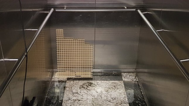Hiện trường vụ rơi thang máy khiến nhiều người bị thương ở Hà Nội ảnh 12