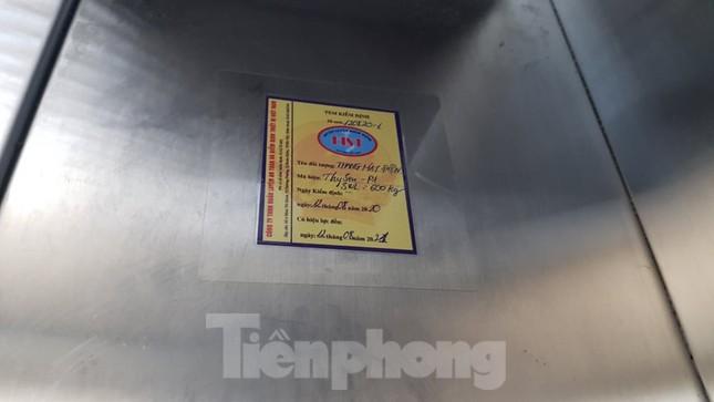Hiện trường vụ rơi thang máy khiến nhiều người bị thương ở Hà Nội ảnh 9