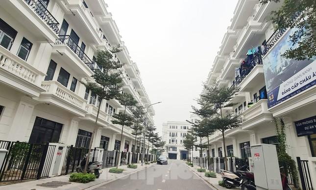Lại rộ khu biệt thự, liền kề tại Hà Nội 'bóp méo' quy hoạch ảnh 1