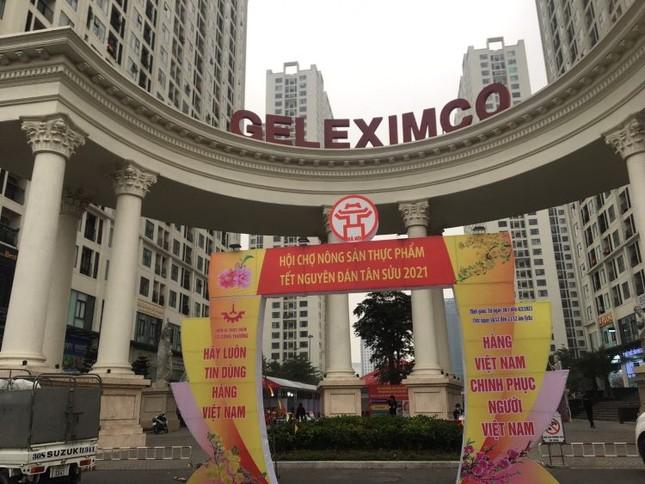 Dừng hội chợ Tết 'khủng' tại khu chung cư vạn dân ở Hà Nội ảnh 1