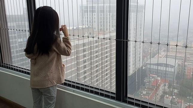 Từ những vụ trẻ rơi ở chung cư: Chuẩn an toàn chung cư đang bị xem nhẹ? ảnh 3