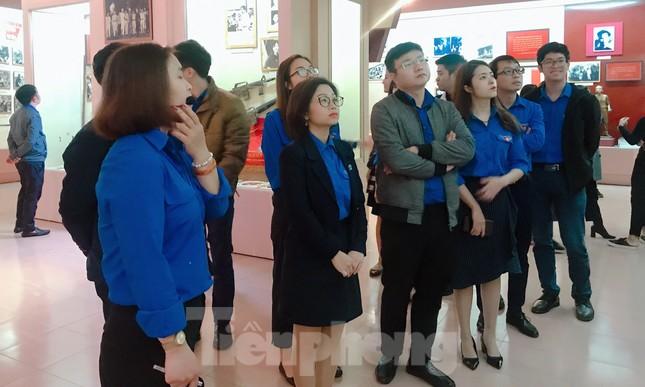 Tham quan bảo tàng Tuổi trẻ Việt Nam nghe về tấm gương các anh hùng trẻ tuổi ảnh 8