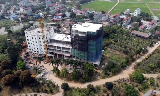 Cận cảnh công trình cao 9 tầng 'mọc' trên đất trồng cây ở Sơn Tây ảnh 11