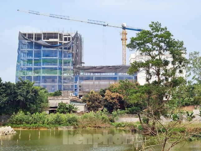 Cận cảnh công trình cao 9 tầng 'mọc' trên đất trồng cây ở Sơn Tây ảnh 14