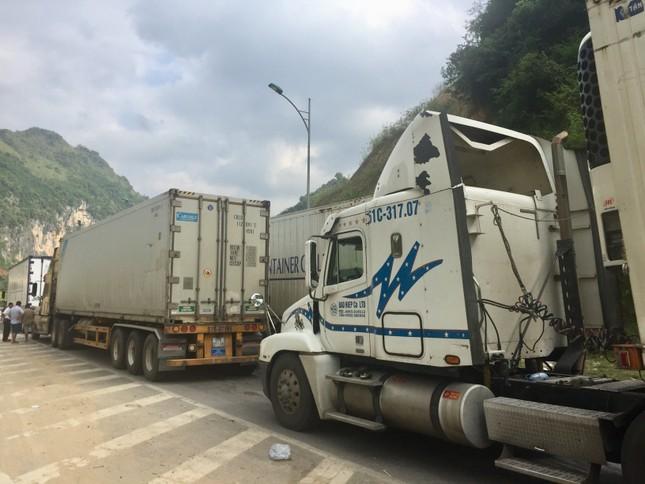 Thấp thỏm lo 'giải cứu' gần 500 container nông sản ùn ứ tại Tân Thanh ảnh 2