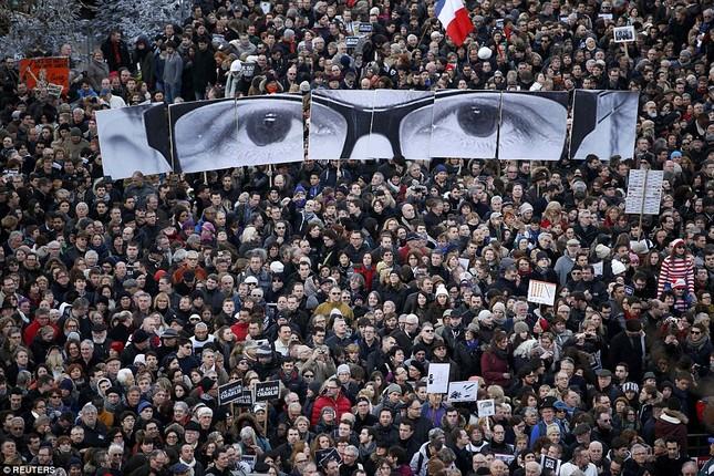 [ẢNH] 50 lãnh đạo thế giới tuần hành chống khủng bố ở Pháp ảnh 8