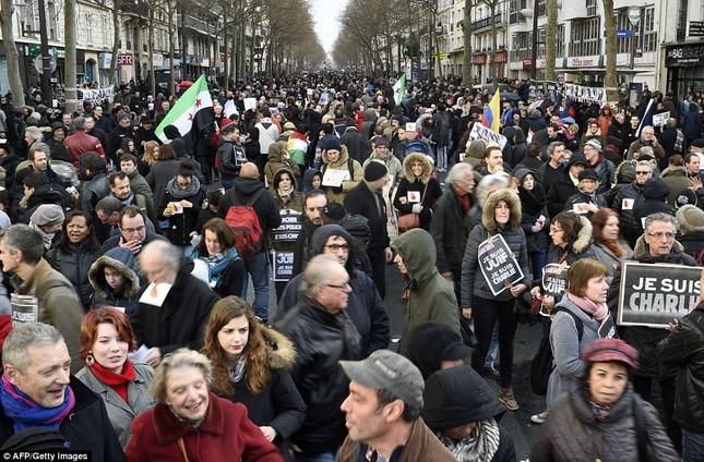 [ẢNH] 50 lãnh đạo thế giới tuần hành chống khủng bố ở Pháp ảnh 11