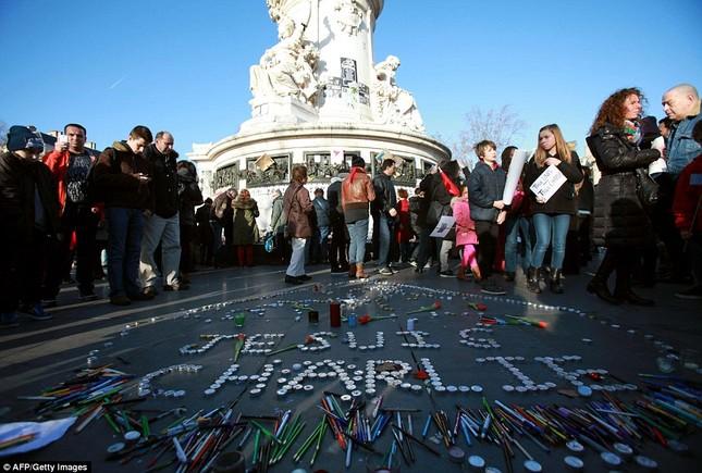 [ẢNH] 50 lãnh đạo thế giới tuần hành chống khủng bố ở Pháp ảnh 16