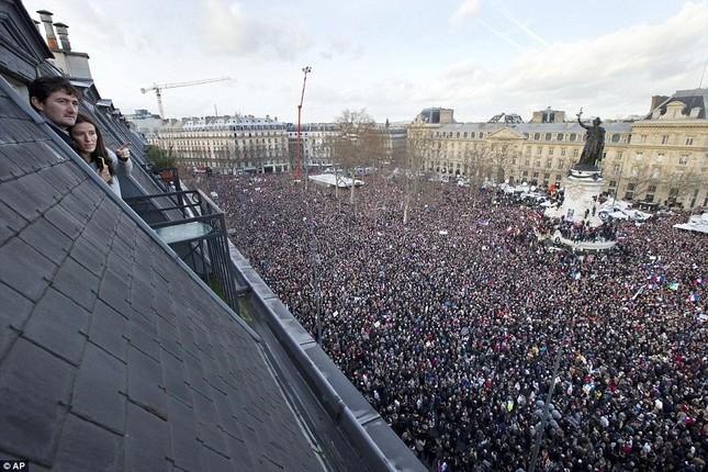 [ẢNH] 50 lãnh đạo thế giới tuần hành chống khủng bố ở Pháp ảnh 6