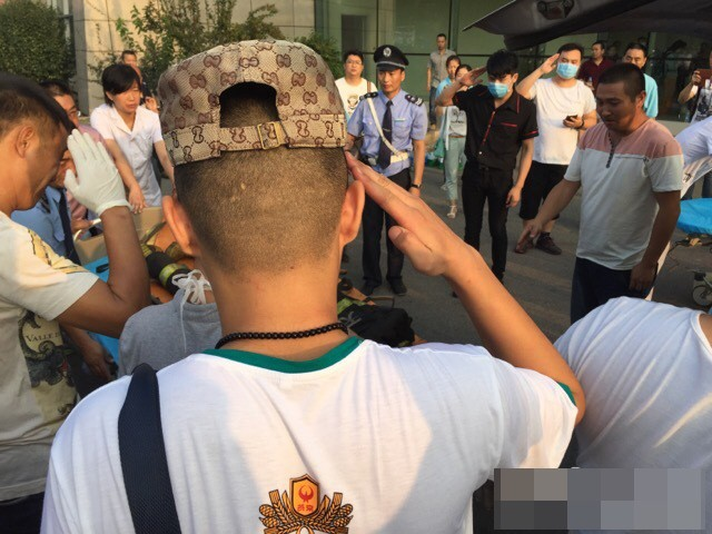 Lính cứu hỏa Trung Quốc tử nạn trong vụ nổ vừa cưới vợ 12 ngày ảnh 3