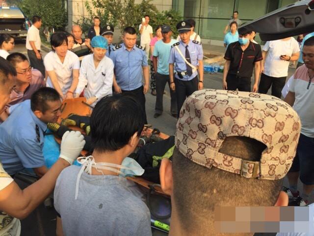 Lính cứu hỏa Trung Quốc tử nạn trong vụ nổ vừa cưới vợ 12 ngày ảnh 4