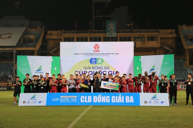 Trọng tài mắc sai lầm trong chiến thắng của Hà Nội trước Tp Hồ Chí Minh? ảnh 2
