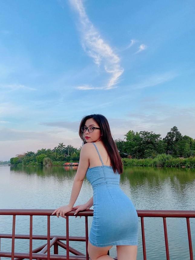 Tình cũ Quang Hải tung ảnh 'hot' khiến bao kẻ ngẩn ngơ ảnh 3