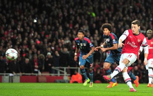 Hạ Arsenal, Bayern đặt một chân vào tứ kết ảnh 9