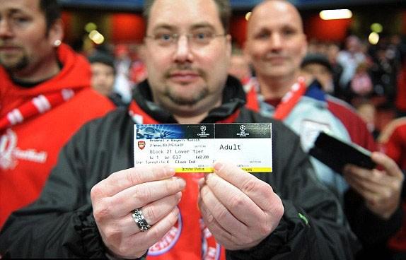Hạ Arsenal, Bayern đặt một chân vào tứ kết ảnh 4