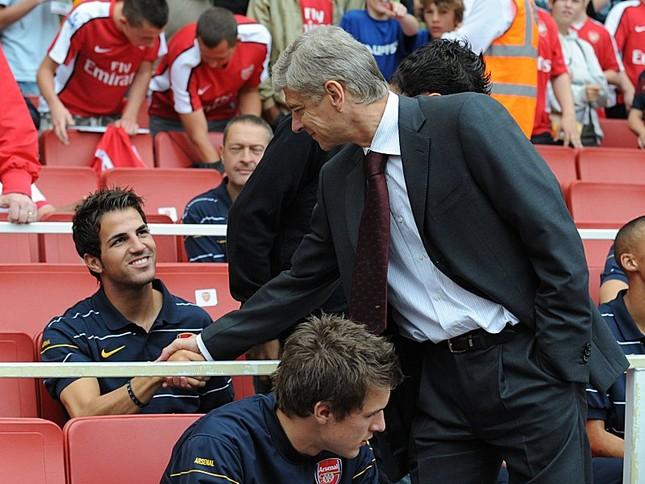 Vì sao Wenger vứt bỏ cơ hội mua lại Fabregas? ảnh 1
