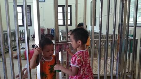 Trẻ em chùa Bồ Đề bỡ ngỡ trong 'ngôi nhà mới' ảnh 5